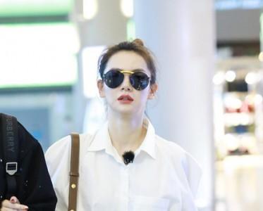 羡慕李荣浩,杨丞琳穿白衬衫都超好看!