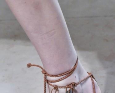 这些凉鞋是要翻红了£¿小时候觉得土现在好时髦