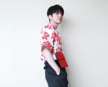 蔡徐坤演绎Prada七夕甄选系列