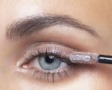 银河系眼妆 液体眼影的正确打开方式!