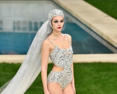 Chanel秀场寻花 一起来地中海花园感受仲夏夜之梦