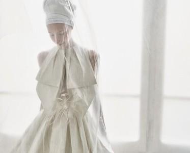 穿上這身婚紗 你就是萬種風情的奔放玫瑰