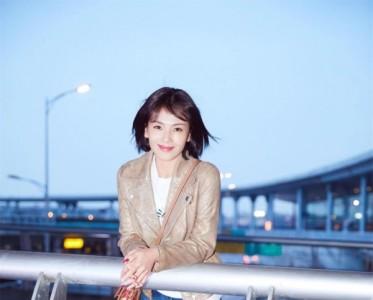在ETRO大秀上邂逅刘涛 我却深深爱上了她的包?