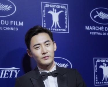 佟晨潔夫婦佩戴寶詩龍出席戛納電影節-中國之夜晚宴