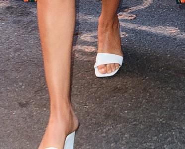 夏日打折季来啦!还不撸一双最火的方头凉鞋?