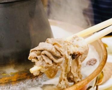 老北京铜锅涮肉,到底比重庆火锅好吃多少倍?