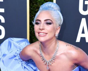 """金球奖红毯珠宝 Gaga脖子上挂""""豪宅""""与霉霉世纪同框"""