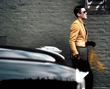 胡兵伦敦街拍玩转清新流行色  绅士风范彰显时尚新态度
