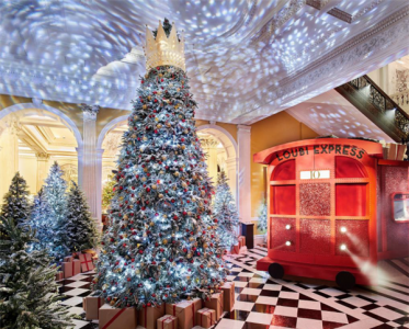 Christian Louboutin设计凯莱奇酒店圣诞树