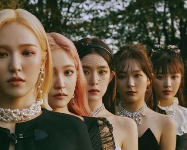 概念女王Red Velvet年末回归 亮片珍珠妆刷新了美貌新高度