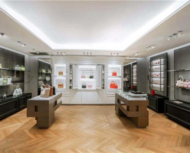 Delvaux 2020年春夏系列新品北京國貿店驚喜呈現