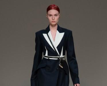 Alexander McQueen 2020年秋冬系列女装时装秀