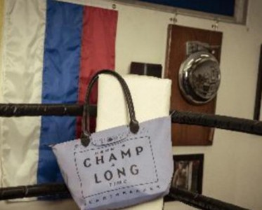 Longchamp X Emotionally Unavailable 联名发布