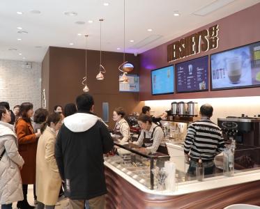 好时庆祝首家甜品概念店落户上海
