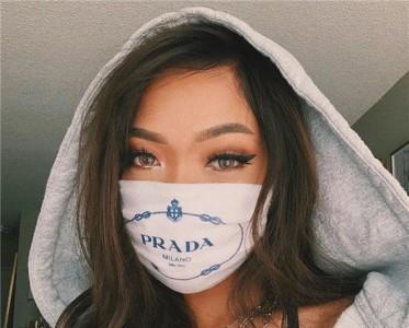 在《动森》中拥有百万衣帽间,大牌防尘袋也能做口罩?