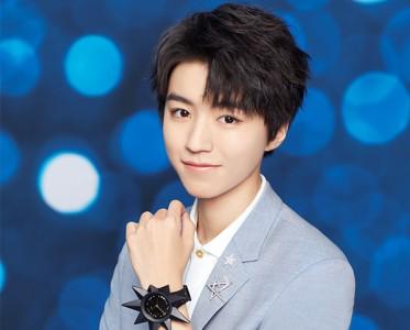 Swatch发布与王俊凯联合设计腕表