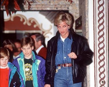王室风云:穿上瘾的牛仔裤 王室成员比你想象得接地气!