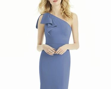 一抹蓝色让婚礼优雅升级 平价又时尚的伴娘裙有太多