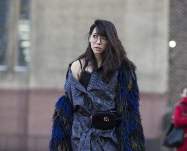 全被流苏承包了 时装周上刷屏的外套就是ta