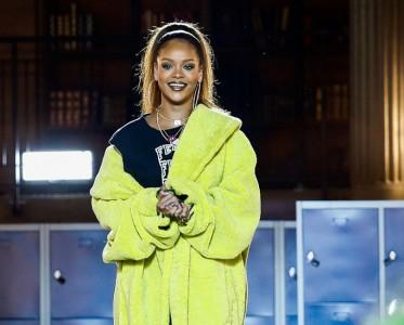 """开春第一件外套就选荧光色 做街头的""""发光体""""!"""