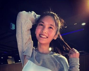 袁姗姗杨丞琳马甲线让人慕了!爱运动的女孩真显年轻