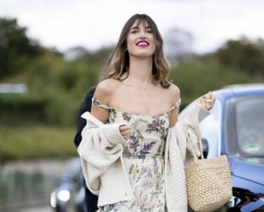 法式优雅的时髦 用一件碎花吊带裙满足你