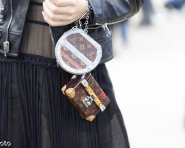 ?#22902;?#23601;要背小包 但这么迷你的手掌包你见过吗£¿