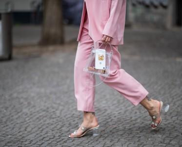 白雪公主的「水晶鞋」在这个夏天属于清凉