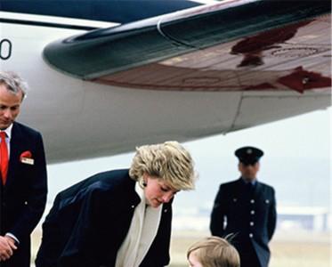 王室风云:威廉哈里 任岁月变迁兄弟情不变