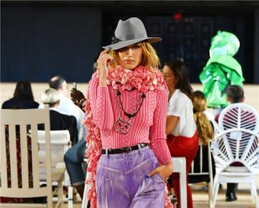 2020春夏纽约bet356安卓下载周 Marc Jacobs 秀
