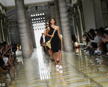 俞飞鸿知性大方,Bottega Veneta打造优雅女人!