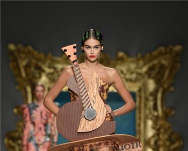 2020春夏米兰时装周 Moschino 秀