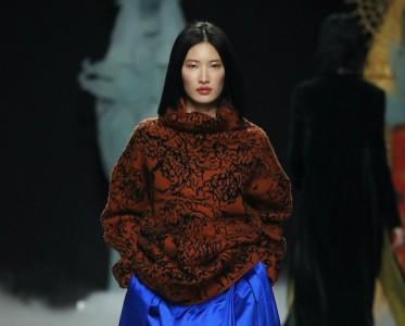 2020秋冬巴黎时装周 Junko Shimada 秀