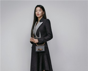 Alexander McQueen宣布全智賢成為韓國品牌大使