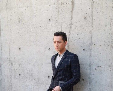 胡歌助阵Emporio Armani米兰2017春夏男装秀