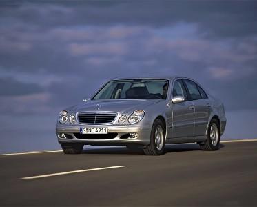 它曾被评为最美奔驰车 第二代Benz E-Class