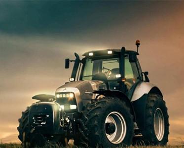 意大利农民太幸福 工作车辆竟是兰博基尼