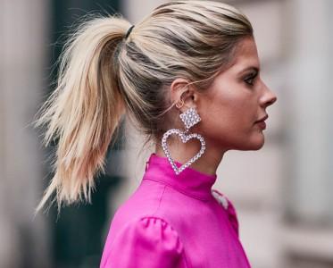 巴黎周街头那些占据C位的造型耳环