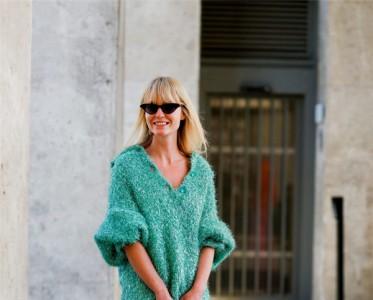 属于冬天的温暖——纯色针织毛衣,慵懒简约让你更有女人味!
