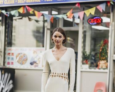 衣橱里不能没有一条针织裙,尤其显瘦显高的!