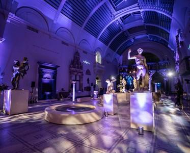 设计师品牌MITHRIDATE于伦敦V&A博物馆举办酒会