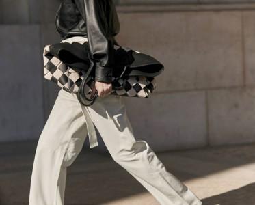 春天的第一条裤子,当然是清爽百搭的小白裤!