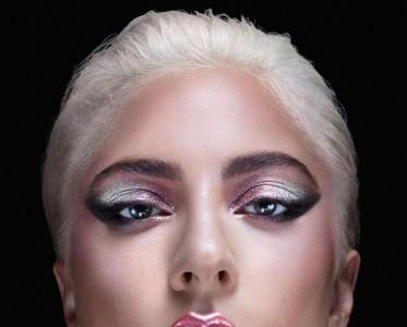 Lady Gaga进军彩妆界 期待会唱歌的美妆博主上线!