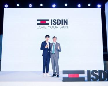 怡思丁攜首位品牌全球代言人魏大勛引領抗光老新趨勢