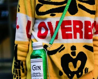 钱袋子羽绒服包 伦敦时装周那些最个性手袋