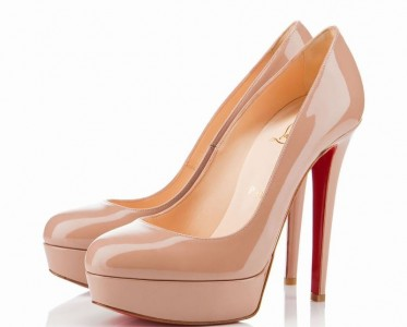亲吻脚底的那抹红色印记 Christian Louboutin红底鞋