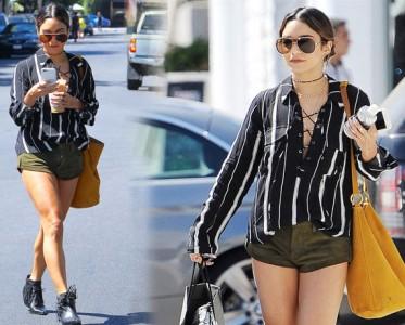凡妮莎-哈金斯现身洛杉矶街头 条纹衬衫+流苏短靴干练帅气
