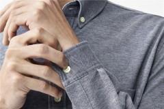 提起衬衫,总会想起端庄、正式、儒雅等关键词LACOSTE其实一板一眼的衬衫也可以如此优雅多变点击观看视频:▼低调精致,不经意间,就能展露你