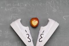 以爱为名 以爱为本PUMA慈善特别版CLF CREEPER鞋款9月21日起即将于天猫欢聚日首发这双承载着慈善意义的特别鞋款旨在鼓励世界各地