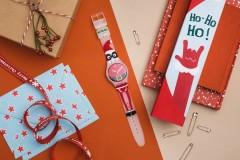 从遥远的瑞士出发,历时2个月的路途,Swatch圣诞老人SANTAJOCKS终于来了!这是Swatch第一次把腕表设计权交给全球粉丝,你参